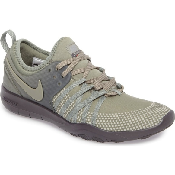 0ec6f28808272 Nike free TR7 shield women s training sneaker 8.5.  M 5b121a87035cf1815d39b9cc